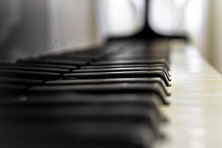 Raz Klinghoffer - Recording studio - Los Angeles - Piano, ballads